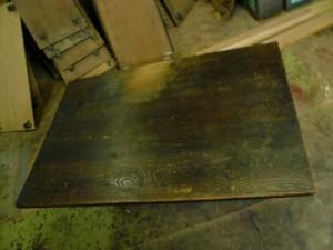 長テーブル塗り前1