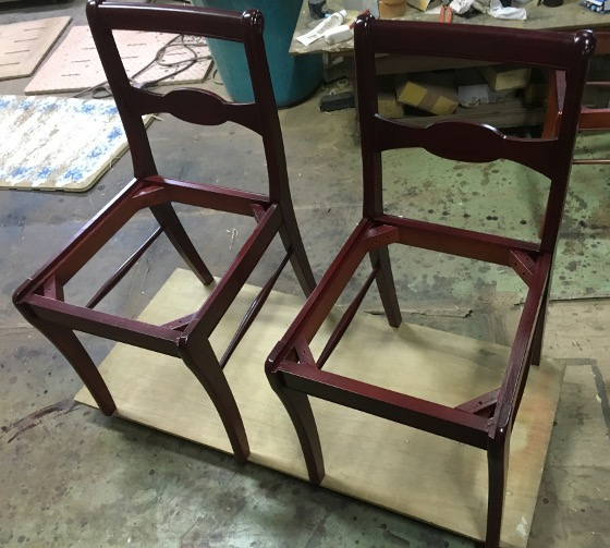 塗り直した椅子