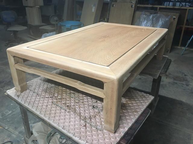 着色前のテーブル